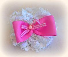 Κοκαλάκι φτιαγμένο με δαντέλα και πανέμορφους ροζ φιόγκους