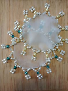 Cobre jarra Instag Pauloram @mimostai Diy And Crafts, Arts And Crafts, Zen, Silk Ribbon, Adult Coloring Pages, Crochet Doilies, Beading Patterns, Pearl Necklace, Drop Earrings