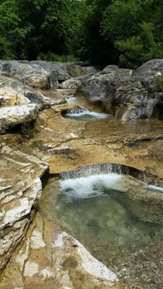 "The Bathtub Rocks in Tahlequah, Oklahoma: A natural geological ""waterpark!"" Swimming holes and natural ""slides. Camping Places, Places To Travel, Places To See, Oklahoma Usa, Travel Oklahoma, Ardmore Oklahoma, Photocollage, Le Far West, Belleza Natural"