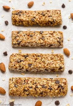 This No-bake Chocolate Chip Granola Bars recipe is made with just 6 ingredients. Chewy, super easy to make and  No Bake Granola Bars, Homemade Granola Bars, Easy Baking Recipes, Healthy Baking, Healthy Chocolate Chip Granola Bar Recipe, Healthy Snacks For Diabetics, Eating Healthy, Healthy Recipes, Breakfast Bars Healthy