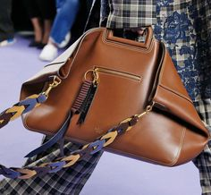 Mulberry's Reinvention Continues With Tons of New Bags on the Brand's Fall 2017 Runway - PurseBlog