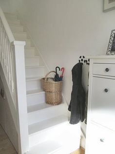 A Typical English Home: Stair Painting 101