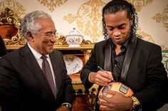 Goa Timeline of the Day!!! Superstar Ronaldinho signs a football for the Portugal Prime Minister Antonio Costa. PM Antonio Costa has roots in Goa, while Ronaldinho briefly played for Goa in the inaugural Premier Futsal tournament in India, in July.  (We hope Ronaldinho will be back for Goa in season 2). #Ronaldinho #AntonioCosta #Goa #PremierFutsal Photo Courtesy:@ronaldinhooficial (Instagram)