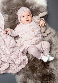 Blueberry DROPS Baby 21 24 Gratis strikkeoppskrifter fra