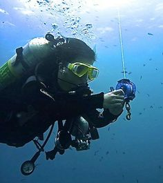 Proper way of using the reel and lift bag is essential for every tec diver.
