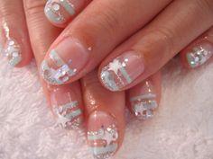 Silver stripe and stars nail art. #nails #nailart #manicure