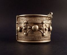 Hey, I found this really awesome Etsy listing at https://www.etsy.com/listing/157075504/old-bedouin-bracelet-silver-alloy-from