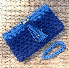 """New Cheap Bags. The location where building and construction meets style, beaded crochet is the act of using beads to decorate crocheted products. """"Crochet"""" is derived fro Crochet Clutch, Crochet Fabric, Fabric Yarn, Crochet Purses, Bead Crochet, Crochet Patterns, Crotchet Bags, Knitted Bags, Diy Handbag"""