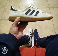 Adidas Gazelle, Adidas Sneakers, Shoes, Fashion, Moda, Zapatos, Shoes Outlet, Fashion Styles, Shoe