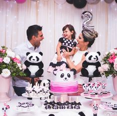 2nd Birthday Party For Girl, Panda Birthday Party, Panda Party, Girl Birthday Themes, 4th Birthday, Bolo Panda, Panda Decorations, Birthday Fashion, Hello Everyone
