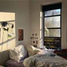 🎊 🎁 patio wallpaperiphone rapero tips deco big logo house fotos manga christmas wallpapers room writing Dream Rooms, Dream Bedroom, Pretty Room, Aesthetic Room Decor, Cozy Aesthetic, Aesthetic Japan, Cool Apartments, Cozy Room, Home And Deco