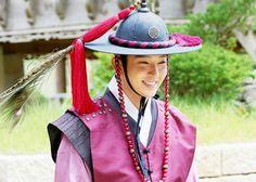 I'll Blow Your Head on A Monday Fever~ Lee Joon Gi, Filming in A Refreshing Smile ! Joon Gi, Lee Joon, Wang So, Lee Jun Ki, Scarlet Heart, Moon Lovers, Riding Helmets, Kdrama, Walking