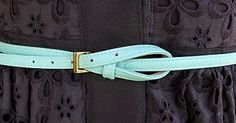 I just love a great belt : ) Fun ideas on how to tie them.