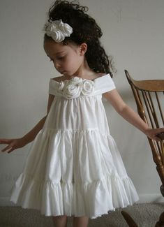 toddler outfit, kids fashion, white ruffled dress #KidsFashionDress
