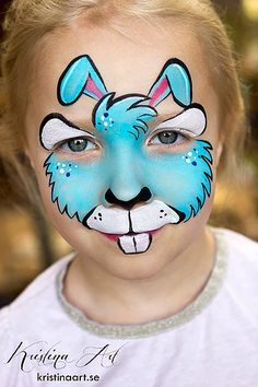 Simple face painting designs are not hard. Many people think that in order to have a great face painting creation, they have to use complex designs, rather then Half Sugar Skull Makeup, Sugar Skull Makeup Tutorial, Halloween Makeup Sugar Skull, Creepy Halloween, Bunny Face Paint, Easter Face Paint, Cool Face Paint, Bunny Makeup, Kids Makeup