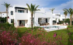 Enjoy an unforgettable luxury spa holiday in exclusive surroundings at Finca Cortesin near Marbella in Spain Luxury Spa Hotels, Luxury Villa, Luxury Homes, Wellness Resort, Beautiful Villas, Level Homes, Hotel Spa, Golf Hotel, Andalucia