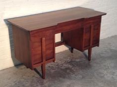 VINTAGE-MID-CENTURY-DANISH-MODERN-DESK-WOOD-TOP-GREAT-EAMES-ERA-DECOR