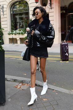 JOURDAN DUNN ut in paris, france during paris fashion week 10/02/2017 | picture pub