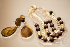 Pulseira folheada em ouro com pedras mahogany