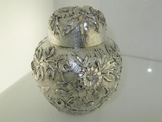 S Kirk & Son repousse sterling tea caddy, c1900 (925pa)