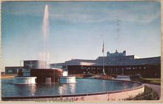 Vintage chrome postcard of the fountain outside the Greater Pittsburgh Airport terminal in Pittsburgh, Pennsylvania. Photo by Modern Ad. Pittsburgh International Airport, Evil Twin, Old Images, Sweet Memories, Fountain, New York Skyline, History, Grandparents, Pennsylvania