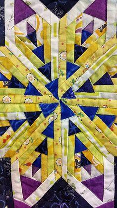 Crazy Patchwork, Patchwork Patterns, Quilt Patterns, Quilting Ideas, Yo Yo Quilt, Log Cabin Quilts, Log Cabins, International Quilt Festival, Japanese Quilts