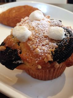 Cupcake with oreo and marshmallow