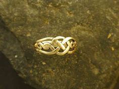 14K Gold Open Knotwork Celtic Ring - would love to find similar for less $ ... someone point me in the right direction (gold a must, celtic knotwork a must ... variance in type of gold and design would be fine).