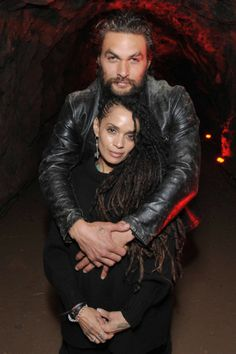 Husband and wife Jason Momoa, Lisa Bonet. Lisa Bonet Momoa and Jason Momoa Jason Momoa Aquaman, Lisa Bonet Husband, Dreads, Twists, Jason Moma, Jason Momoa Lisa Bonet, Lenny Kravitz, Star Track, Famous Couples