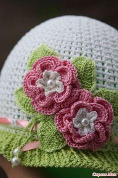 Materiales gráficos Gaby: Gorra con diseños en crochet