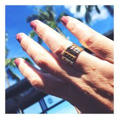 Thanks for sharing the solid 18Ct Lucky Finger @vibekeholmgaden @guruagency  #blindskrift #hiddenmessage #LuckyFinger #lulubadulla #contemporary #jewelry #design #danishdesign #classic #braille