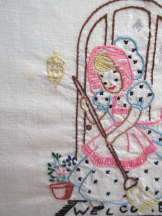Bordados à mão clássica Toalhas Afazeres Domésticos mão de restos -  /  Vintage Hand Embroidered Chores Hand Towels by remnants -