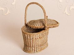 WC/024, wicker basket with increased bottom and lid, scale 1 : 12, made by Will Werson.