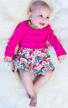 Trag's bunt, baby!  Bequem, praktisch und schick in Einem: Bodykleidchen von Babauba :) Safari Party, Baby Outfits, Kind Mode, Bunt, Short Dresses, Arm, Women, Fashion, Kids Wardrobe