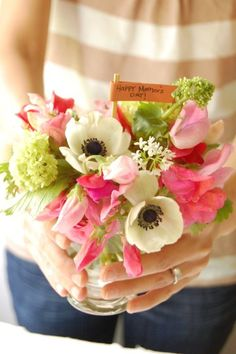 How/To...French Hand-Tied Bouquet...Perfect for Mother's Day in May.