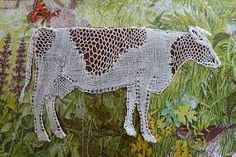 Afbeeldingsresultaat voor kantklossen Types Of Lace, Lace Art, Bobbin Lace Patterns, Diy Projects To Try, Farm Animals, Pet Birds, Fiber Art, Cow, Textiles