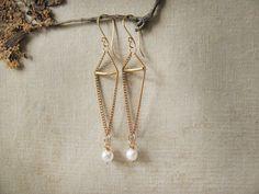 Bronze chain and pearl earrings. Long chain by MADAMblueONE