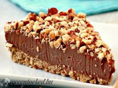 Have the best Thanksgiving Day of your life with these delightful no bake Thanksgiving desserts. That means no baking skills are required! Sweet Desserts, No Bake Desserts, Sweet Recipes, Delicious Desserts, Dessert Recipes, Yummy Food, Cheesecakes, Nutella Cake, Nutella Cheesecake