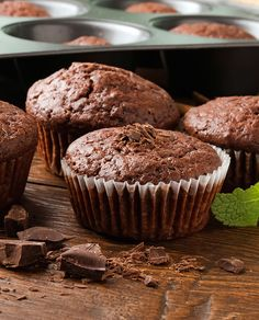 Indulge your sweet tooth with these minty chocolate muffins made from good-for-you ingredients. #chocolate #glutenfree #holidays #recipes #vegetarian