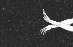 """""""Entonces perdí la noción del espacio porque me abrazó con todo su universo"""" -Leo Romsog"""