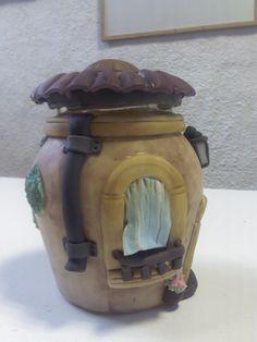 frasco decorado con porcelana fria.