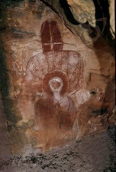 Wandjina paintings are unique to the Kimberley of Western Australia. Wanjina are shape-changing anthropomorphic beings associated with rain. Aboriginal History, Aboriginal Culture, Arte Tribal, Tribal Art, Ancient Mysteries, Ancient Artifacts, Paleolithic Art, Art Rupestre, Aboriginal Painting
