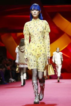 Shiatzy Chen Fall Winter 2017 Ready To Wear Collection in Paris