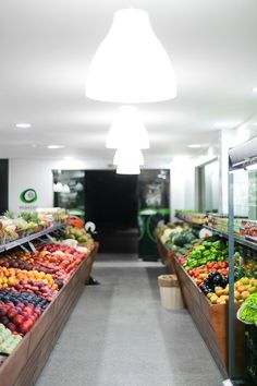 Master Fruits Shop by OWL Creative, via Behance