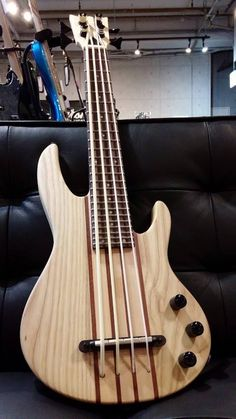 MEB1 Ukurere Bass http://www.chuya-online.com/products/91315/index.html