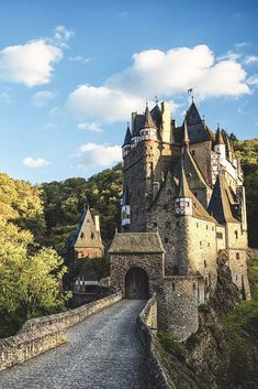 Eltz Castle (Burg Eltz) is a medieval castle nestled in the hills above the Moselle River between Koblenz and Trier, Germany. Places Around The World, Oh The Places You'll Go, Places To Travel, Places To Visit, Around The Worlds, Beautiful Castles, Beautiful Buildings, Beautiful Places, Chateau Medieval