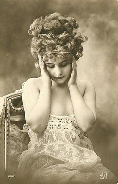French Postcard. Vintage Edwardian lady portrait.