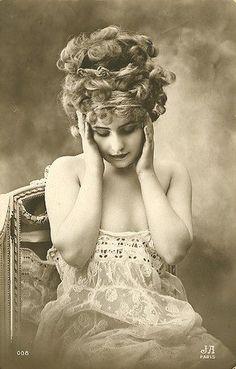 French Postcard. Vintage Edwardian lady portrait.