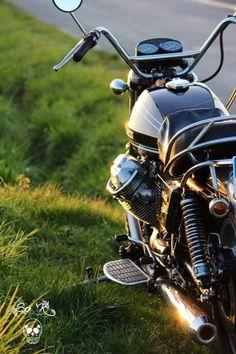 cool-soketty-world: . - One Lonesome Saddle Custom Motorcycle Parts, Motorcycle Style, Moto Guzzi Motorcycles, Cool Motorcycles, Moto Guzzi California, Guzzi V7, Motorcycle Manufacturers, Vintage Bikes, Bike Life
