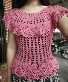 How to Crochet a Little Black Crochet Dress Col Crochet, Crochet Woman, Crochet Bolero Pattern, Crochet Girls, Crochet Tops, Free Crochet, Crochet Thread Patterns, Crochet Designs, Black Crochet Dress